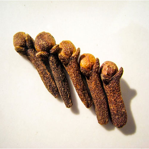 Cloves-stop-hiccups-and-headache