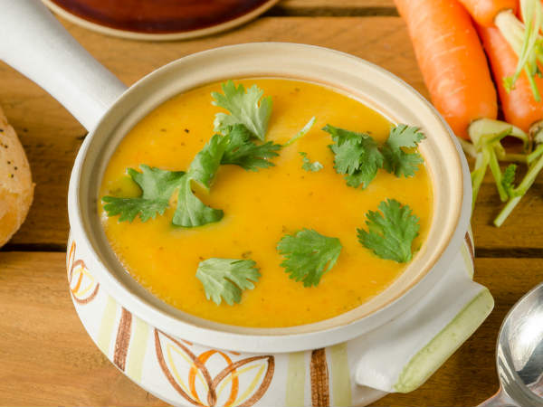 carrot-and-coriander-soup-13-1468384471