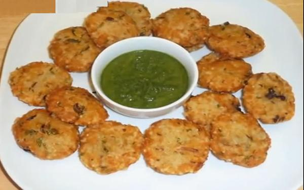 Saabudane ki puri recipe, How to make Saabudane ki puri, Homemade Saabudane ki puri recipe